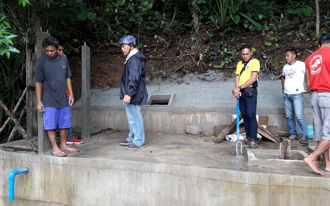 Mayor Tito Ragragio visits the on-going SALIN-TUBIG Project in Brgy. Tagas, Magallanes, Sorsogon