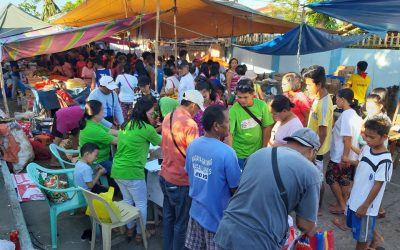 LGU distributed Sako Bags and Basket butas-butas to Magallenos at Magallanes Market Site